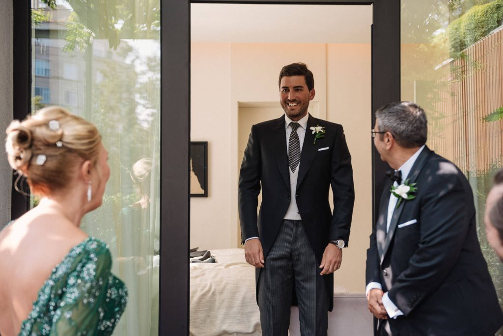 Boda Cris & Juanca traje novio | Manel Tamayo, Wedding photographer
